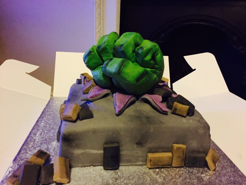 Incredible Hulk Cake Hayleys Bakes